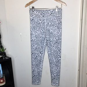 Evolution and Creation Size M The Jinni Legging